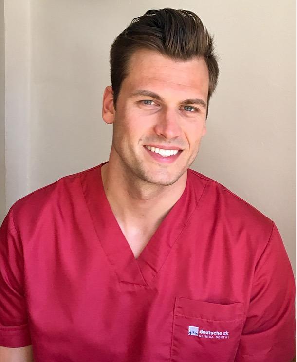 Alex-Deutschsprachiger Zahnarzt in Barcelona